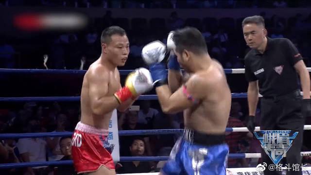 同样对决雅桑克莱,安迪苏瓦惨遭一回合KO,中国硬汉却血拼全场
