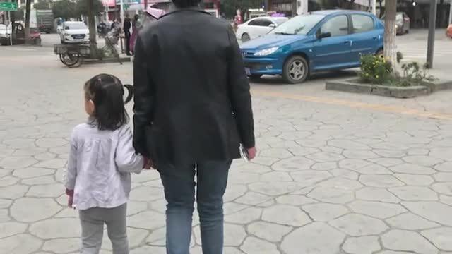 新华网评:决不允许打着送养的旗号卖孩子!