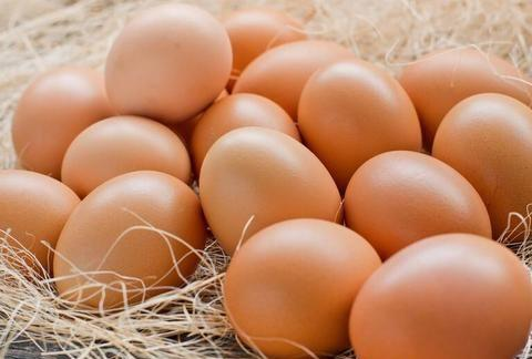 用土方法腌鸡蛋,不仅咸香入味,蛋黄各个流油起沙,做饭简单易学