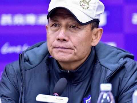 王宝山对球员表现不满意 对手讽刺:泰达侥幸保级,观念陈旧