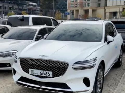 新款捷尼赛思GV70海外实拍 新车提供两款发动机