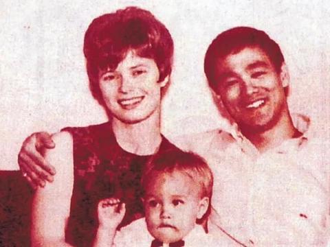 李小龙死后,琳达再婚,70多岁的她仍再推广李小龙基金会