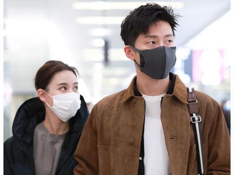 何超莲才是真名媛,走机场穿身运动装搭棉服,一样有贵族气质!