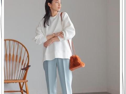 白色无帽卫衣的秋季穿搭推荐!打造干净、简约的日系轻熟风造型