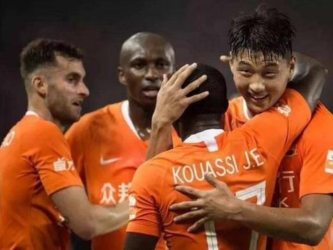 足协杯:武汉卓尔2-0远大晋级八强,成都兴城或能欺负北京国安