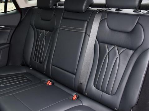 全新奔腾B70将在今天上市,除了标配座椅加热还有啥亮点?