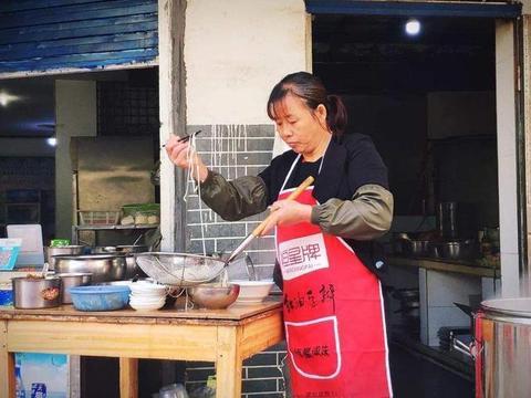 马云也很困惑:街边小贩为啥喜欢用微信收款,而不是支付宝?
