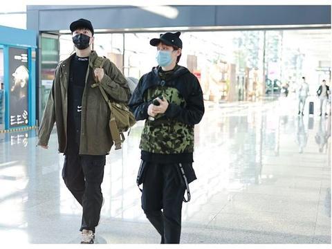 刘翔和妻子吴莎同框走机场,同穿背带裤,一个潮范,一个乖巧