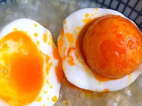 怎么腌鸡蛋才好吃?大厨教你懒人做法,只需25天,个个流油起沙