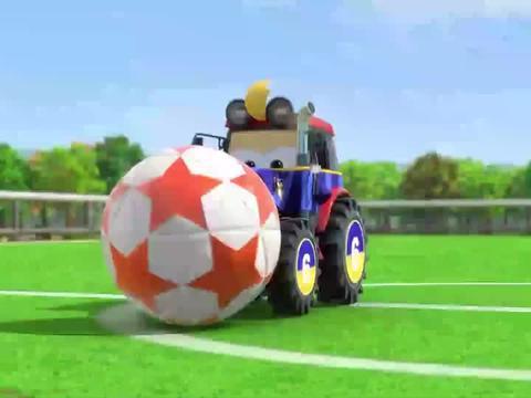超级飞侠:超级飞侠真厉害,开着拖拉机踢足球,居然还能进球!