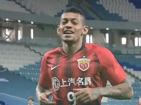 上海上港复仇横滨水手,小组突围在望,陈彬彬逃过点球处罚