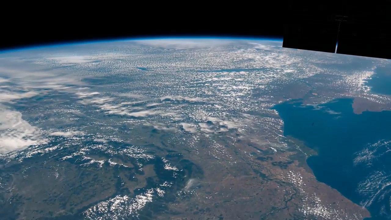 国际空间站的延时从突尼斯到敖德萨