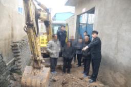 河南省卫辉市法院执行铺设排水管道化解相邻纠纷