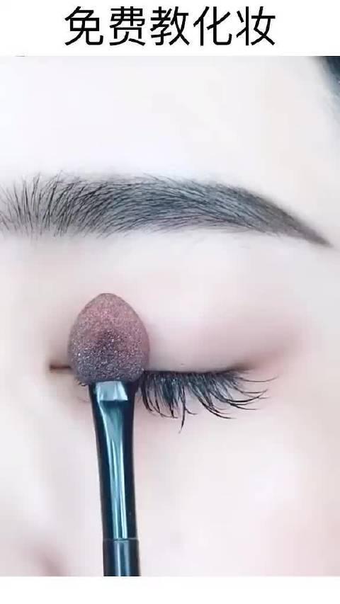 枯萎玫瑰??脏脏眼妆这样搭配简直美到窒息,简单百搭又火了?