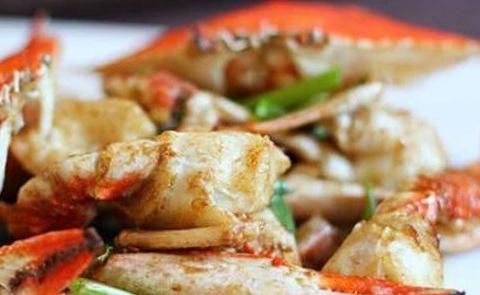 葱姜炒蟹,香菇肉片,剁椒蒸排的做法