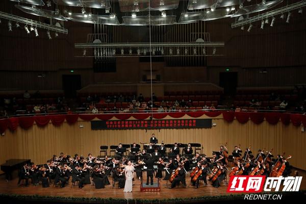 长沙市杜鹃花艺术节开幕 78场演出5大展览5场讲座精彩不断