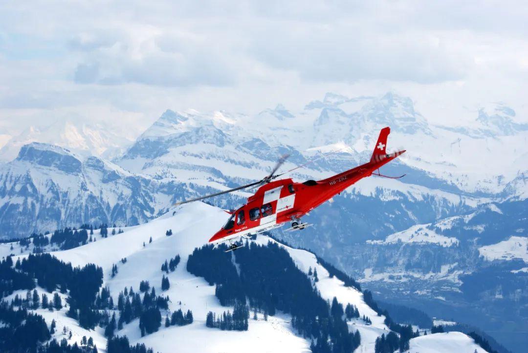 加拿大女子跨省探亲被直升机送院,接1.3万加元天价账单要21年还清