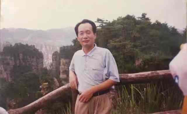 广东汕尾原干部因敲诈勒索获刑 省高院驳回其再审申诉图片