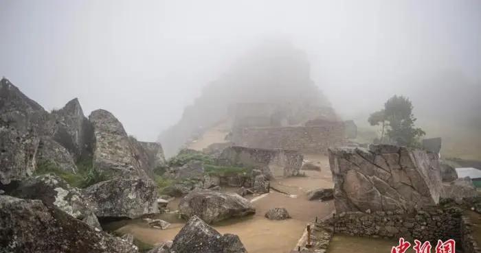 秘鲁新冠确诊病例超95万例 卫生紧急状态再延90天
