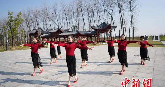 """「共舞长江经济带·看高质量发展」记者手记:一路上,记录长江的""""微笑"""""""
