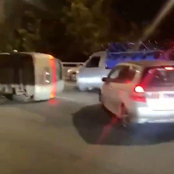 昨晚7点,南昌英雄大桥上五车相撞!发生了这一幕