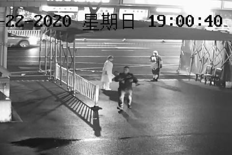 江阴祝塘这两位执法队员,你们被监控拍下了!