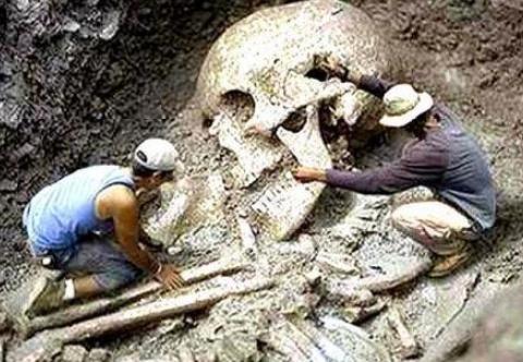 史前地球上,真的出现过巨人一族吗?