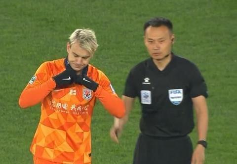 鲁能获胜只有他却不太开心,射门10次0进球,李金羽说太追求完美