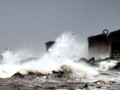 意大利撒丁岛多地遭遇恶劣天气袭击 致3死2人失踪