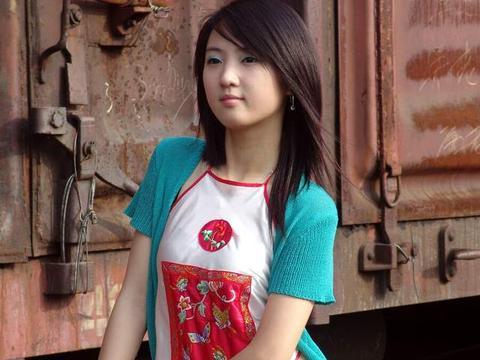 与特斯拉撞死小女孩同一路口!台湾女子违规掉头又遭直行汽车撞倒