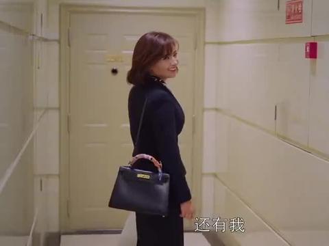 安迪请了小邱关关樊姐回家吃火锅,大家吃的可开心了,真温馨!