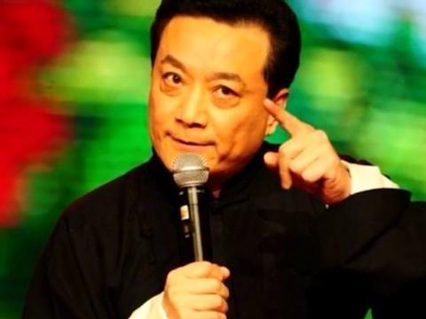 他是春晚常客,与潘长江蔡明多次合作,51岁因高烧离世