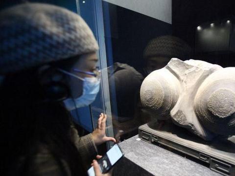 """江苏南京:""""晶·华——矿物之至善至美""""在南京博物院开展"""