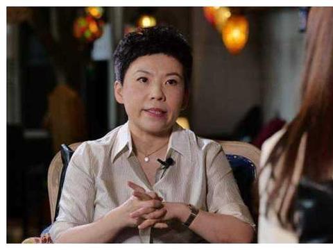 国乒参谋团有张怡宁王楠李晓霞,但刘国梁为何唯独不邀请邓亚萍?