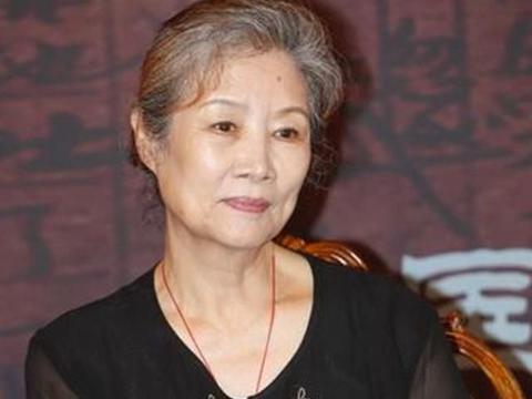 """她是出了名的女强人,还被称为""""慈溪专业户"""",73岁才荣获影后"""