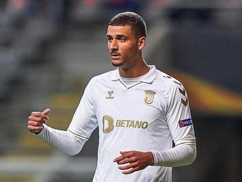 """曼联后防新目标,1米94大高个,被誉为""""葡萄牙范迪克"""""""