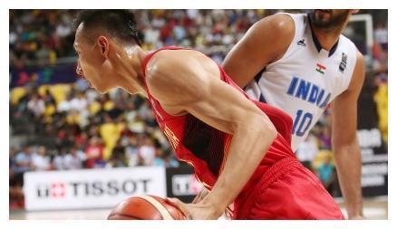 为何易建联在NBA能被第六顺位选中?这组照片告诉你,天赋有多强