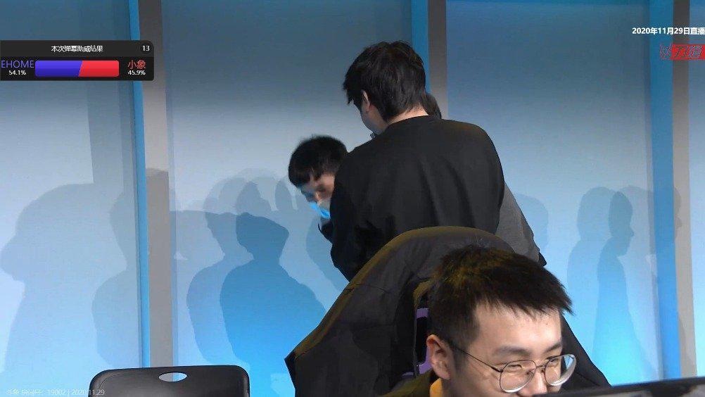 中国职业杯S2淘汰赛线败者组决赛小象对阵EHOME战队BO3决胜局……