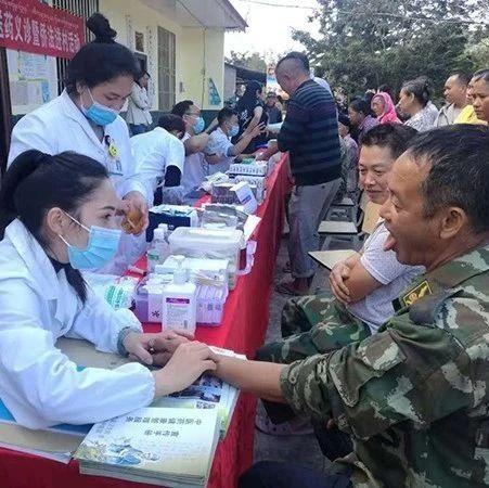 西双版纳州委统战部为侨胞送医送药送义诊