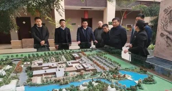 船营经济开发区与相关企业进行项目洽谈