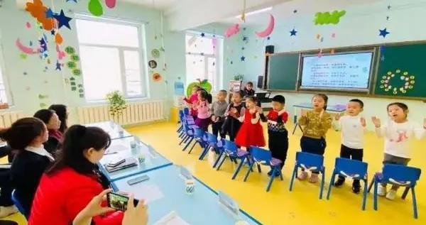以研促教 引领成长——船营区进修学校跟岗研修走进船营九小幼儿园