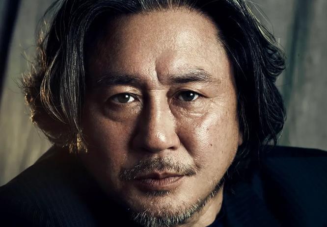 崔岷植时隔27年重演韩剧,新戏《Casino》预计明年开播图片