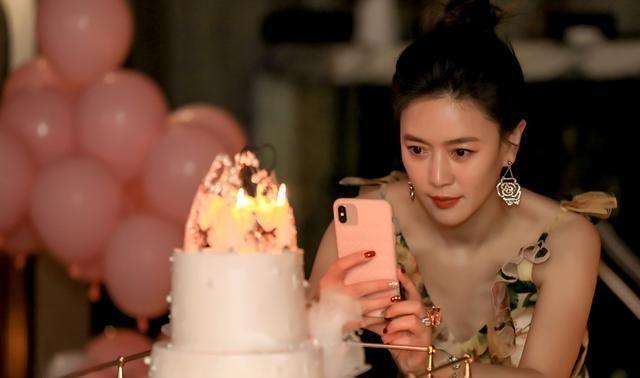 田海蓉庆女儿生日,身材富态长相不能与母亲比,婚姻不幸为爱留守