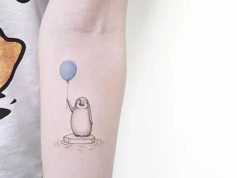 在手臂上画漫画,40幅暖心的小纹身,碾压大幅刺青