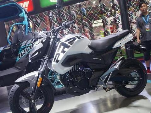 最亲民的跨骑!124cc单缸风冷引擎,座高775mm+7L油箱,8878值吗
