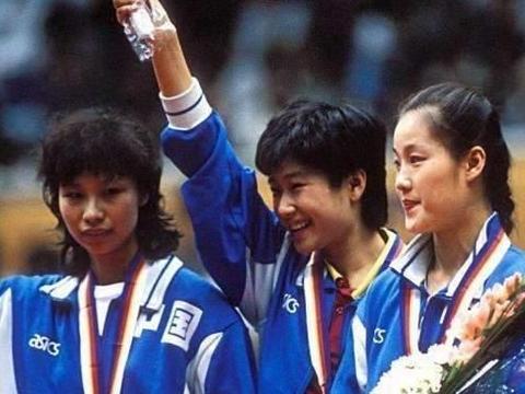 两人曾是国乒奥运金牌、铜牌得主,巅峰期离开国家队,发生了啥?