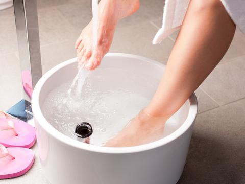 冬季适合泡脚养生,但若不注意这4点,泡脚反而是在养病