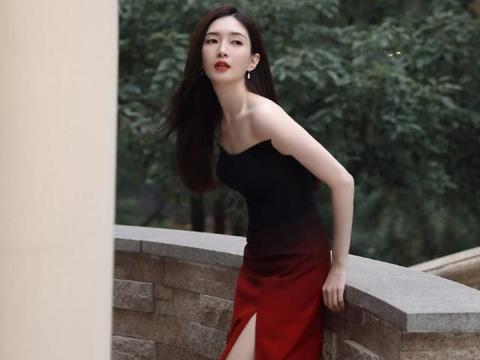 江疏影气质一如既往地绝!穿渐变抹胸裙惊艳亮相,优雅清冷好迷人