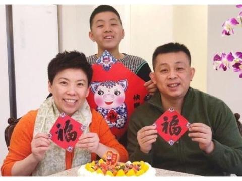 邓亚萍激动哭了,庆祝儿子首夺单打冠军 大满贯爱子收获金银铜牌
