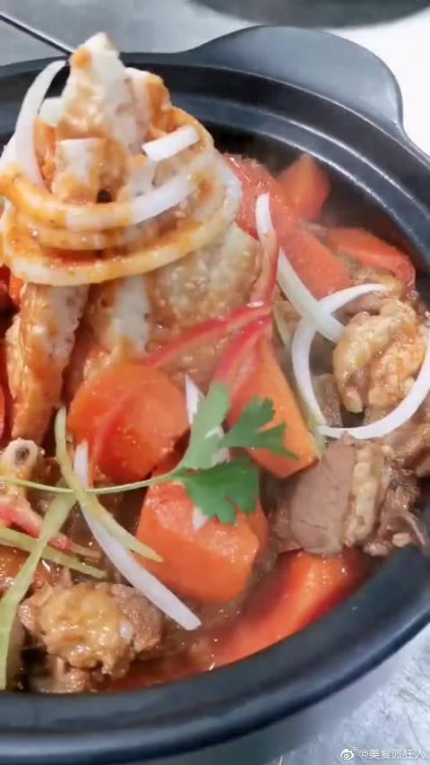 新疆特色喀什馕包肉,老板你这盗版太明显了,新疆人表示不服!……